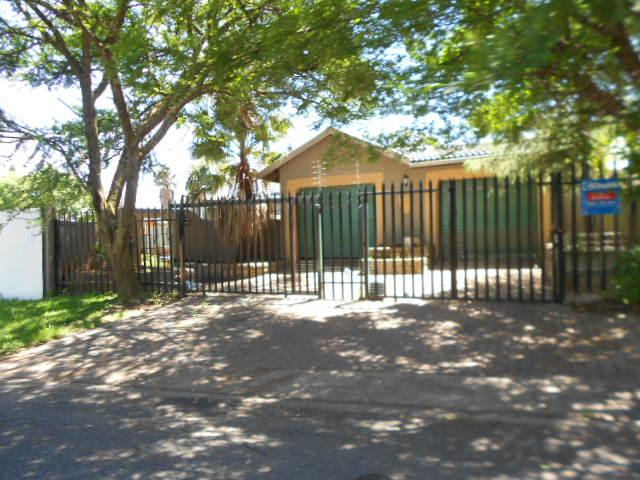 Standard Bank EasySell 3 Bedroom House for Sale For Sale in Birch Acres - MR082049