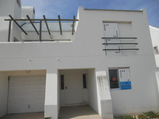 Standard Bank Repossessed 3 Bedroom House on online auction in St Helena Bay - MR082107