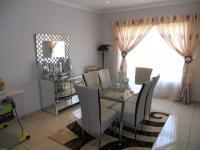 Dining Room - 17 square meters of property in Chantelle