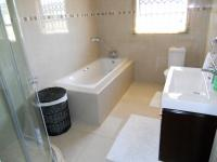 Main Bathroom - 9 square meters of property in Chantelle