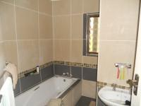 Bathroom 1 - 6 square meters of property in Kingsburgh