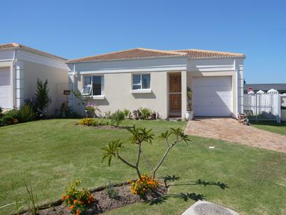 2 Bedroom House for Sale For Sale in Somerset West - Private Sale - MR08221