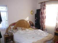 Main Bedroom - 16 square meters of property in Parow East