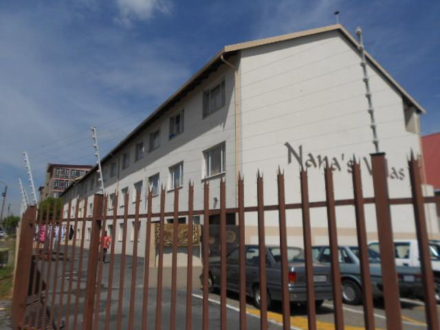 Standard Bank Repossessed 2 Bedroom Sectional Title for Sale on online auction in Edenvale - MR082365