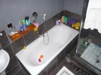 Main Bathroom - 13 square meters of property in Kuils River