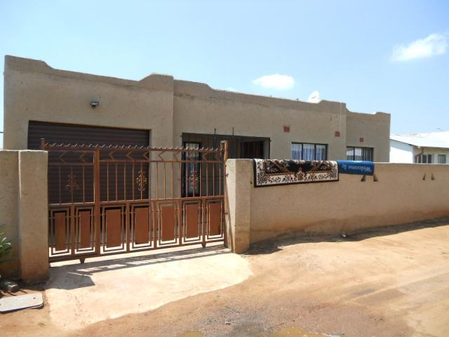 Standard Bank Repossessed 3 Bedroom House for Sale For Sale in Germiston - MR082499