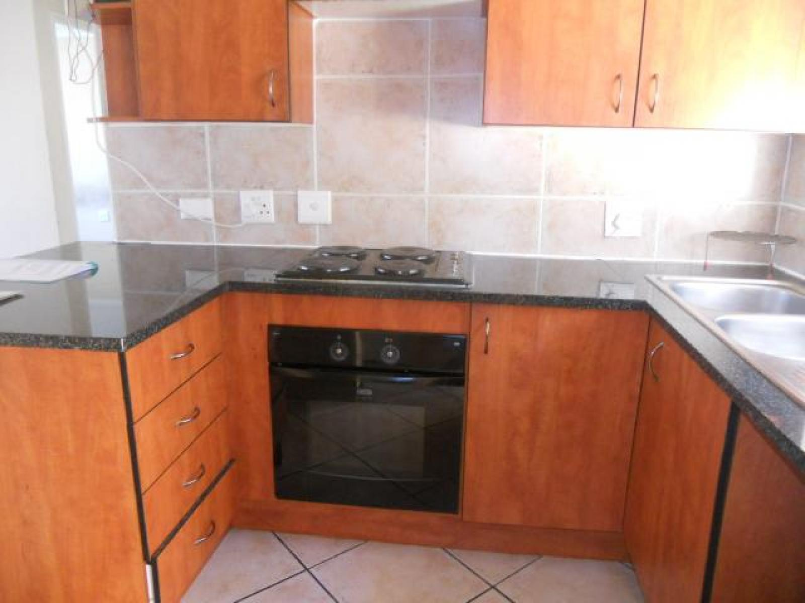 Kitchen - 5 square meters of property in Roodepoort