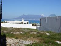 Front View of property in Bloubergstrand
