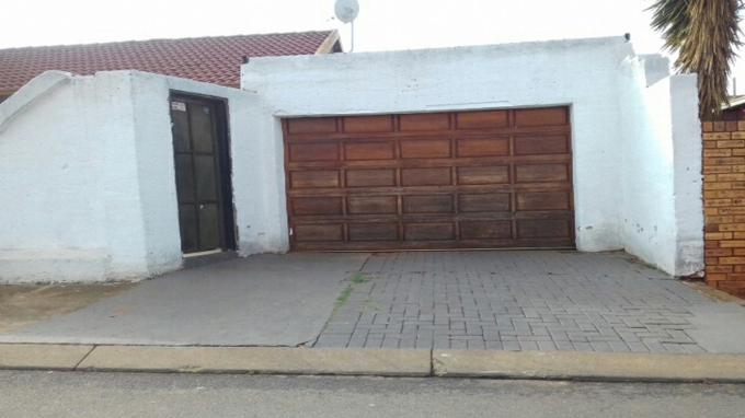 Standard Bank Insolvent 3 Bedroom House for Sale in Soweto - MR082525