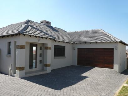 3 Bedroom Duet for Sale For Sale in Thatchfields - Private Sale - MR08253