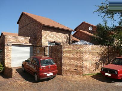 2 Bedroom Duplex for Sale For Sale in Hennopspark - Home Sell - MR08255
