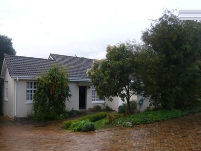 2 Bedroom House For Sale in Somerset West - Home Sell - MR08259