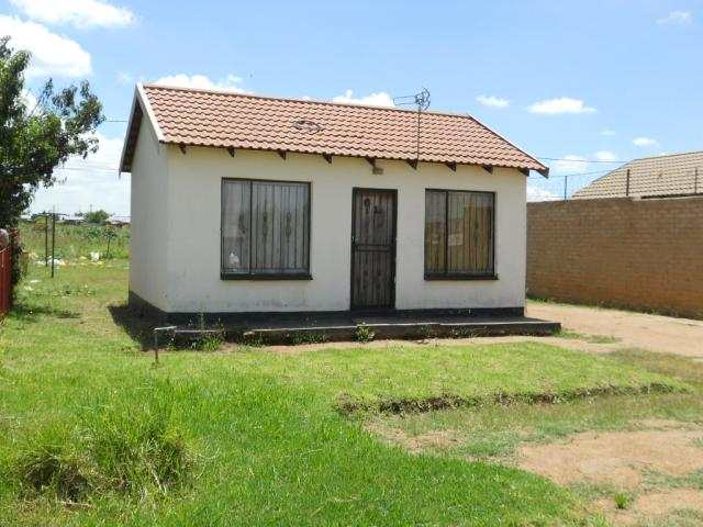 Standard bank repossessed 1 bedroom house for sale on for I bedroom house for sale