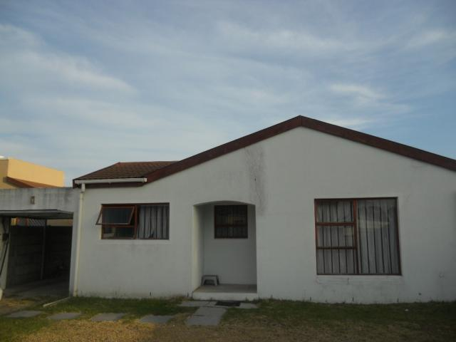 3 Bedroom House for Sale For Sale in Grassy Park - Home Sell - MR082908