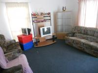 Lounges - 18 square meters of property in Grassy Park