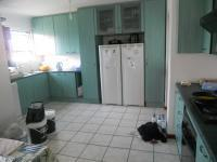 Kitchen - 18 square meters of property in Grassy Park