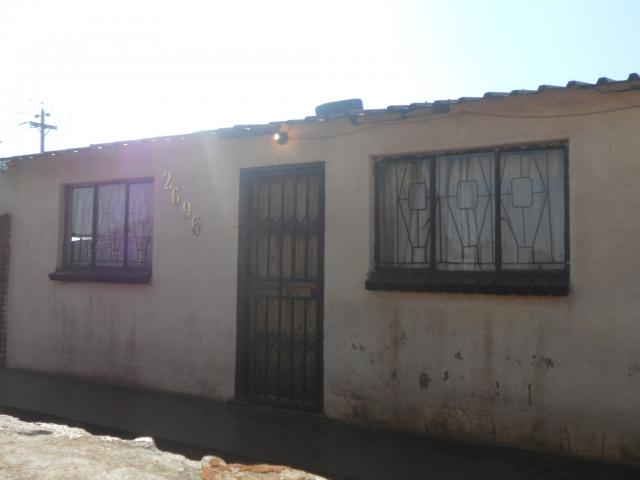 Standard Bank Repossessed 2 Bedroom House for Sale For Sale in Katlehong - MR083050