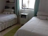 Bed Room 1 - 10 square meters of property in Struis Bay