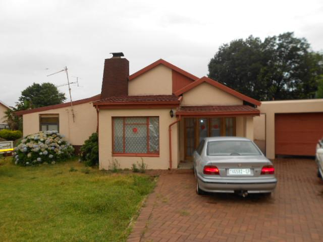 Standard Bank Repossessed 3 Bedroom House for Sale on online auction in Robertsham - MR083372