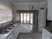 Kitchen - 25 square meters of property in Robertsham