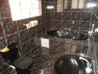 Main Bathroom - 9 square meters of property in Robertsham