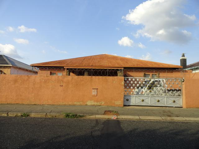 Standard Bank Repossessed 4 Bedroom House for Sale on online auction in Brixton - MR083408