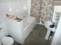 Main Bathroom - 7 square meters of property in Les Marais
