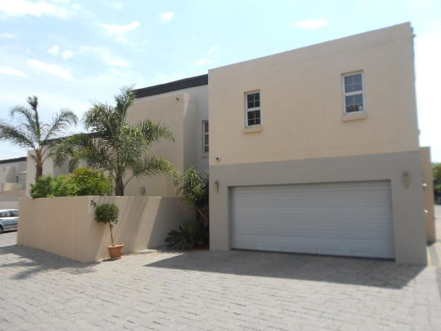 4 Bedroom Cluster for Sale and to Rent For Sale in Bedfordview - Private Sale - MR083613