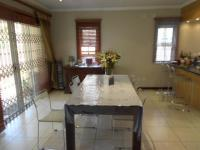 Dining Room - 14 square meters of property in Bedfordview