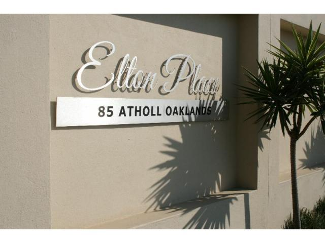 2 Bedroom Apartment to Rent in Illovo - Property to rent - MR083975