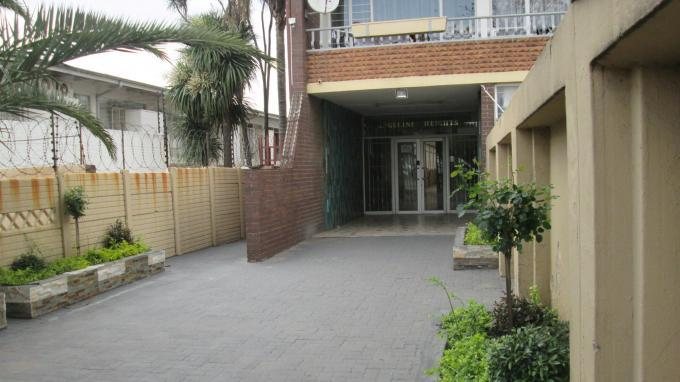 Standard Bank Insolvent 2 Bedroom Apartment For Sale in Johannesburg Central - MR084022