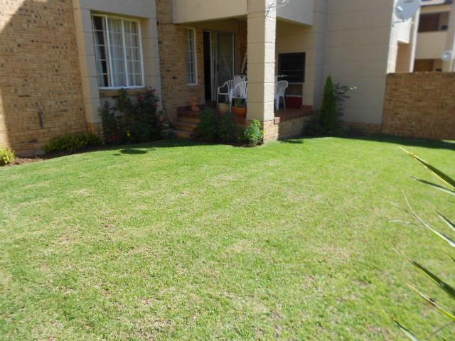 3 Bedroom Sectional Title for Sale For Sale in Midrand - Private Sale - MR084030