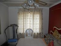 Main Bedroom - 14 square meters of property in Warner Beach