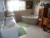 Main Bathroom - 15 square meters of property in Moreletapark