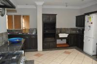 Kitchen - 40 square meters of property in Wierdapark