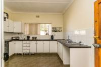 Kitchen - 14 square meters of property in Silverfields