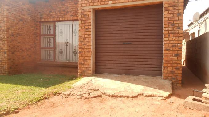 Standard Bank Insolvent 1 Bedroom House on online auction in Emalahleni (Witbank)  - MR084476