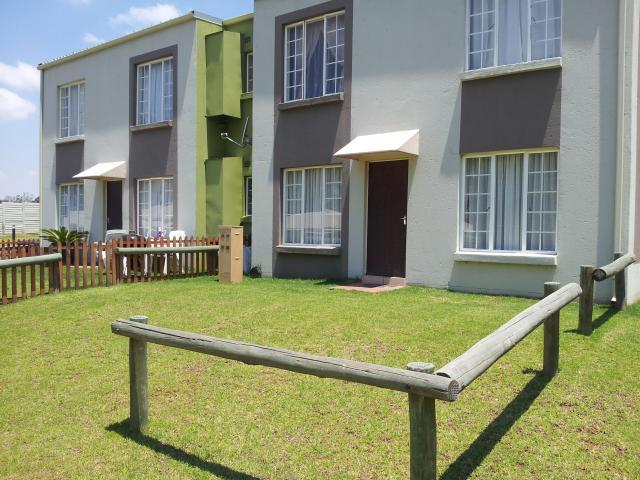 2 Bedroom Sectional Title for Sale For Sale in Benoni - Private Sale - MR084600