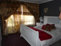 Main Bedroom - 15 square meters of property in Silverfields