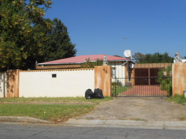 Standard Bank Repossessed 3 Bedroom House for Sale on online auction in Springs - MR084808