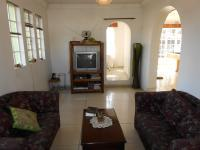 Lounges - 110 square meters of property in Benoni