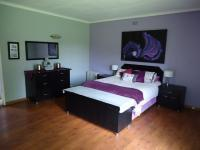 Main Bedroom - 17 square meters of property in Boksburg