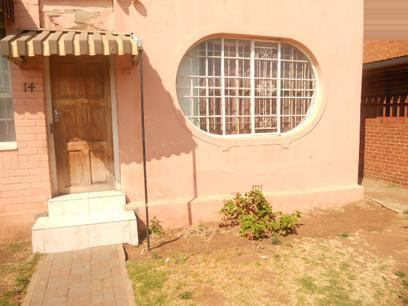 Standard Bank Repossessed 3 Bedroom House for Sale on online auction in La Rochelle - JHB - MR08520