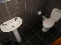 Bathroom 2 - 2 square meters of property in Benoni