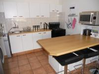 Kitchen - 10 square meters of property in Hartenbos