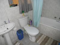 Main Bathroom - 5 square meters of property in Pinelands