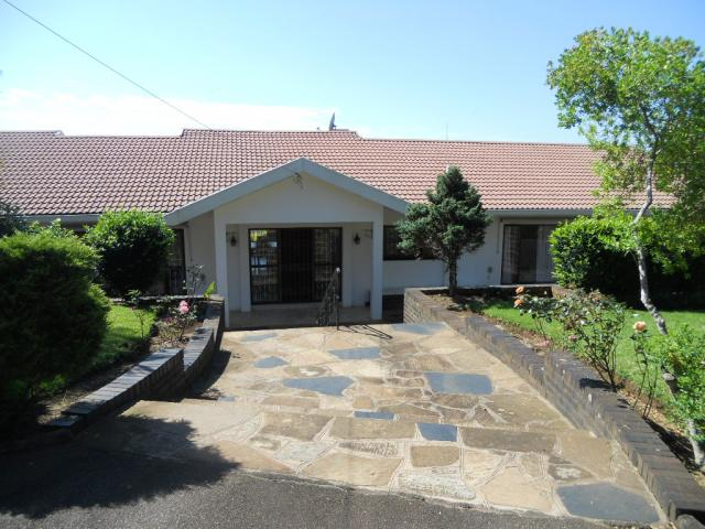 Standard Bank EasySell 4 Bedroom House For Sale in Winston Park  - MR085556