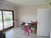 Spaces - 130 square meters of property in Winston Park