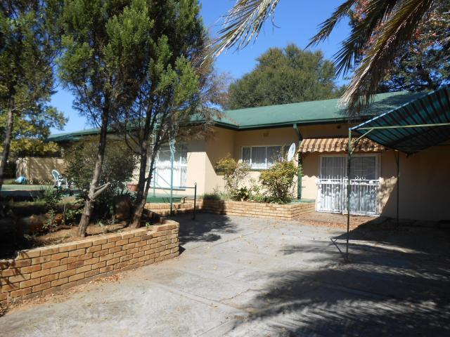 Absa Bank Trust Property House for Sale For Sale in Klerksdorp - MR085621