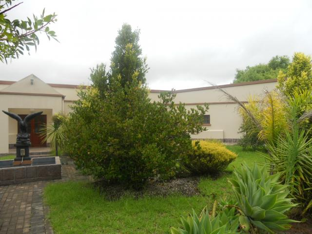 Standard Bank EasySell 4 Bedroom House For Sale in George South - MR085634